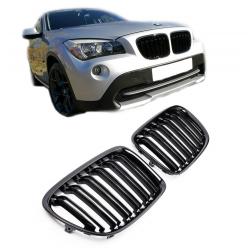 SET DE CALANDRE LOOK M DOUBLES LIGNES NOIR BRILLANT POUR BMW X1 E84 (09-15)
